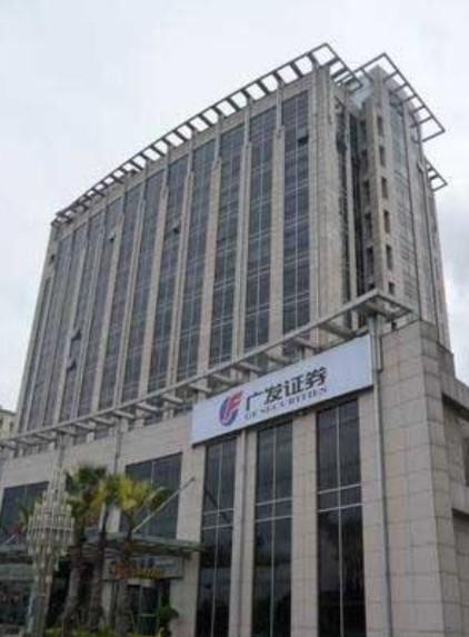 张江科技园,德宏大厦,地铁口,多套不同面积低价出租